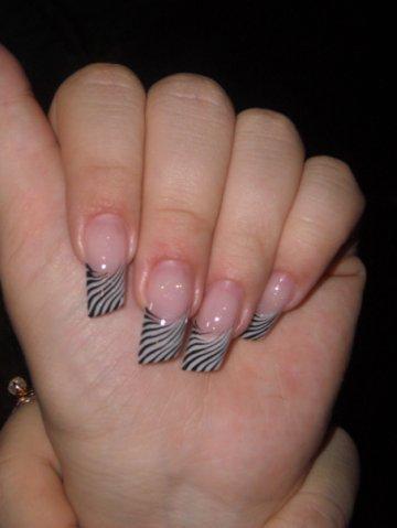 Дизайн косы на ногтях